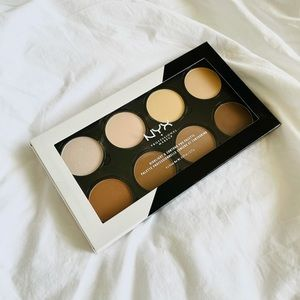 Swatch Only Nyx Highlight and Contour Palette